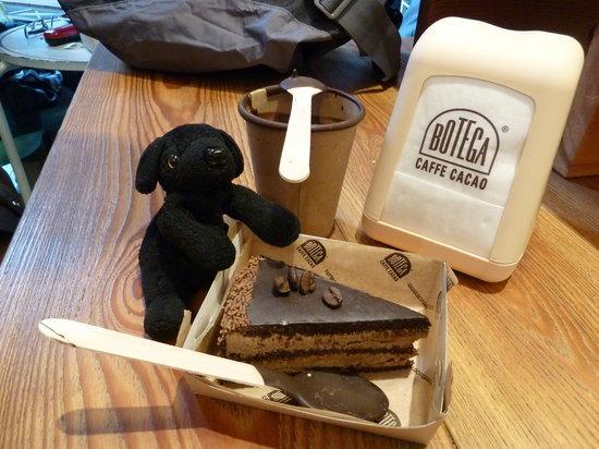 Botega Caffe Cacao : CIoccolato and cake... yum!