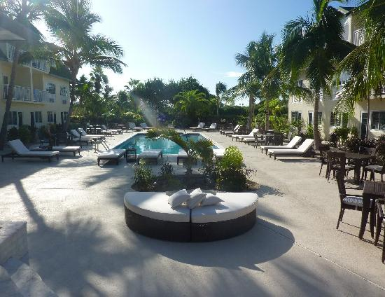 Ports of Call Resort: Pool Deck