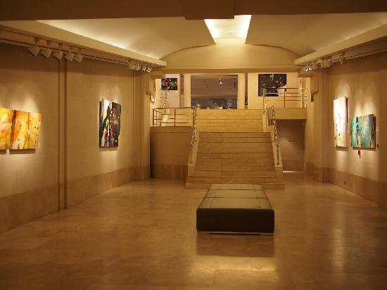 Palacio Duhau - Park Hyatt Buenos Aires : Art Exhibition in hotel
