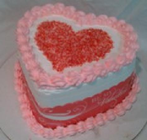 Four Seas Ice Cream: Small Heart Ice Creamery Cake