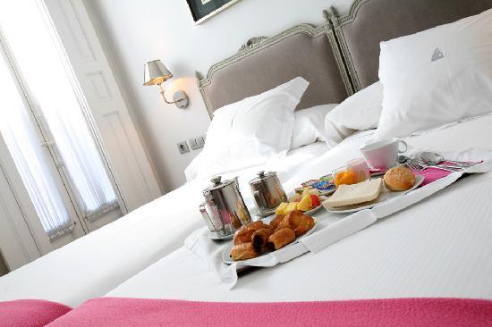 Hotel Meninas - Boutique Hotel: Breakfast in Room - Desayuno en la Habitación