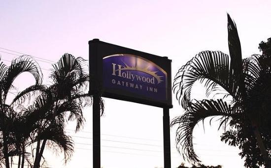 Hollywood Gateway Inn: Sign