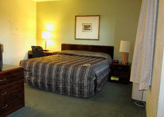 Extended Stay America - Fort Lauderdale - Cypress Creek - Park North: Kingsize Bett