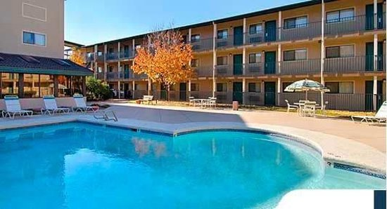 Tulsa Extended Stay Inn & Suites: Pool
