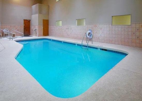 روديواي إن آند سويتس: Pool