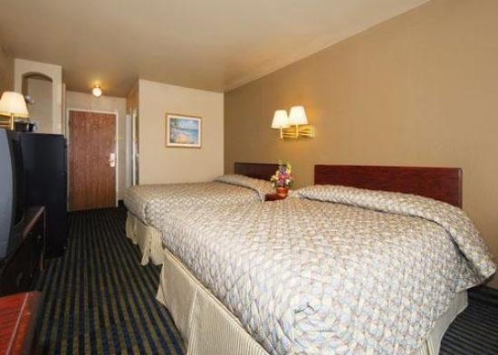 Rodeway Inn & Suites: AZBGst Beds