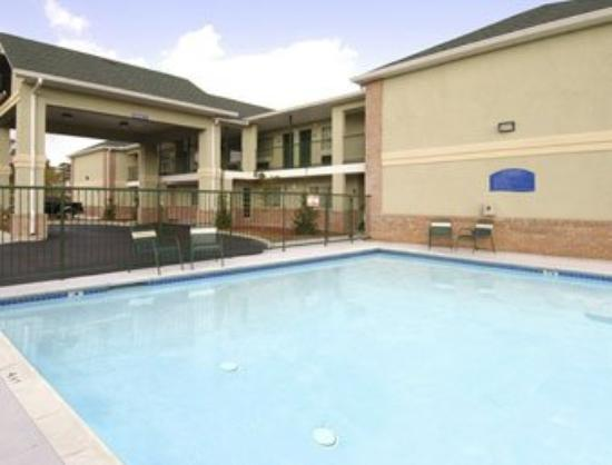 Magnolia Bay Hotel & Suites - Jonesboro