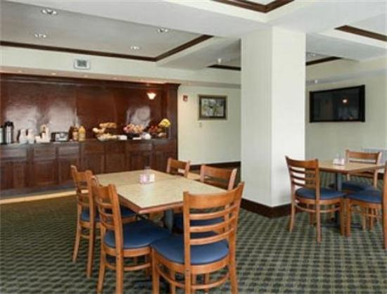 Home Inn & Suites Montgomery: BreakFast Area