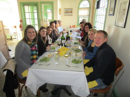 Penns Park, Πενσυλβάνια: One of our groups at Villa Nouva