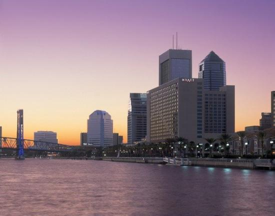 Hyatt Regency Jacksonville Riverfront: Exterior Evening Photo