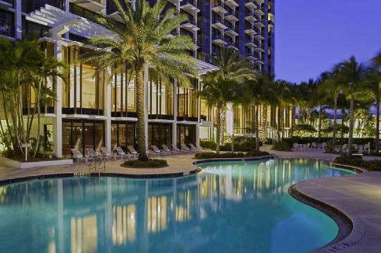 Hyatt Regency Sarasota: Pool At Night