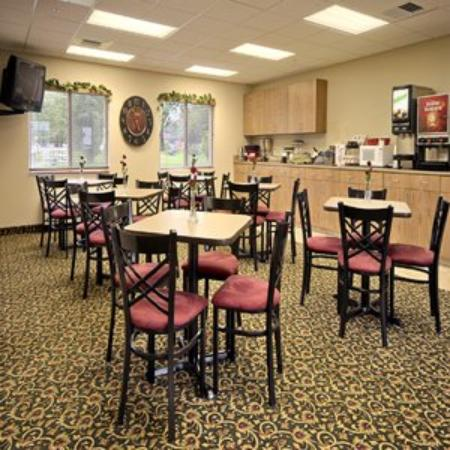 Supertel Inn and Conference Center: Creston Supertel Inn Breakfast