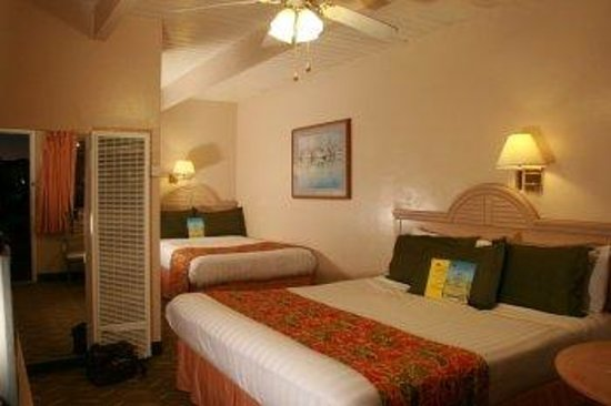 Ocean Breeze Inn: King Queen Room