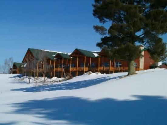 Wendigo Lodge & Conference Center: Exterior