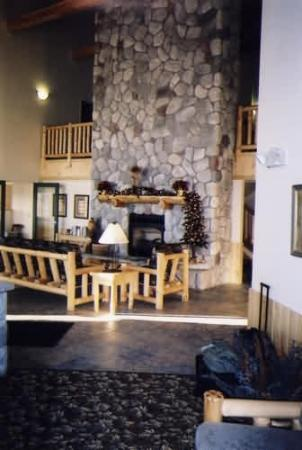 Wendigo Lodge & Conference Center: Interior