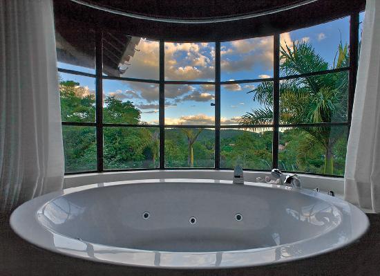 honeymoon jacuzzi photo de hotel canto das aguas lencois tripadvisor. Black Bedroom Furniture Sets. Home Design Ideas