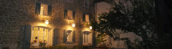 Entraigues-sur-la-Sorgue, France: Le Moulin Vieux by night