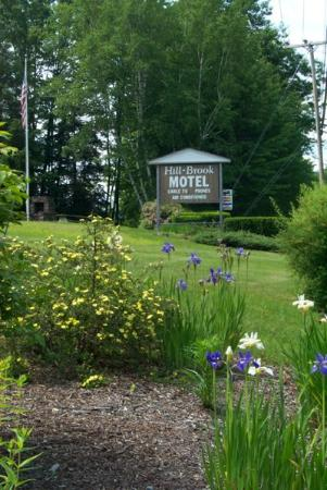 Hill-Brook Motel: Exterior