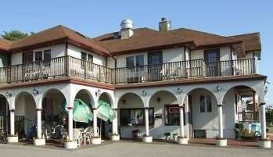 The Seabreeze Inn: Exterior