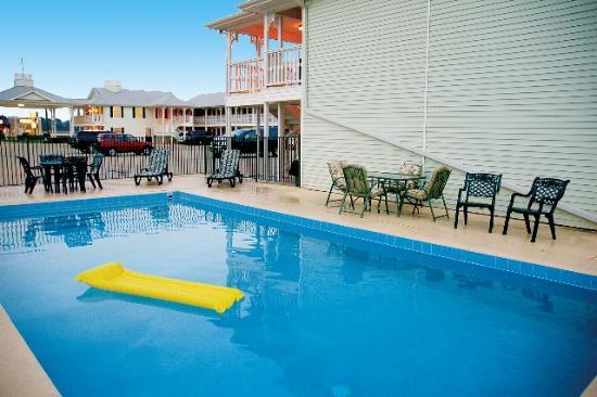 Key West Inn Childersburg: Pool