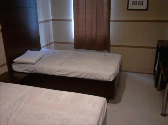 Sampaguita Suites JRG : double executive room