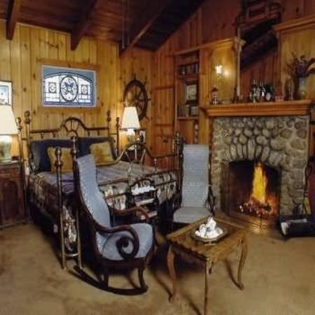 Cedar Lodge: Guest room