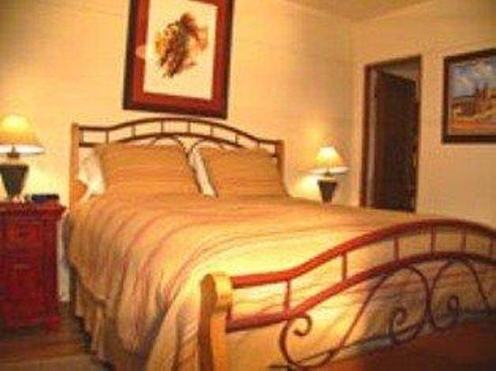 Casas de Suenos Old Town Historic Inn: RT 66 Bed Room