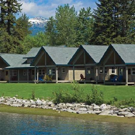Dover Bay Resort Sandpoint: Pretty cabins all in a row