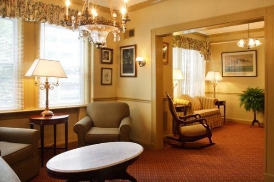 Hopkins Inn: Lobby