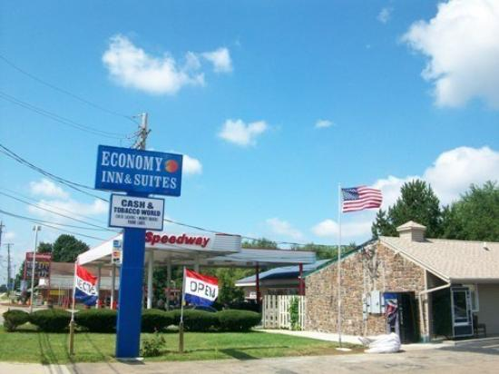 Photo of Economy Inn & Suites Ashtabula