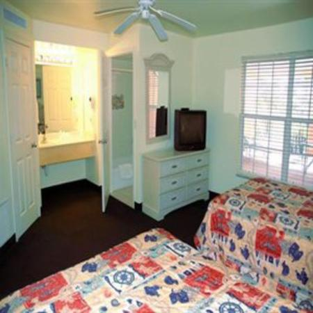 Lighthouse Resort Inn And Suites: Deluxe One Bedroom