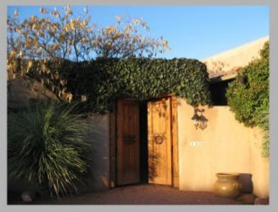 Adobe Village Inn : Villa entrance