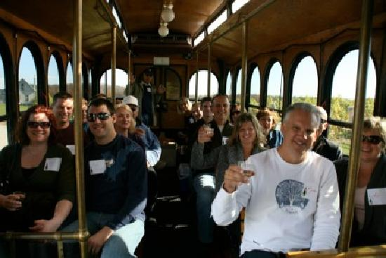 Guided Luxury Wine Tours: Fun on the trolley