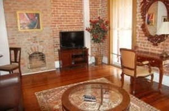 American Creole House Corporate Suites: CB