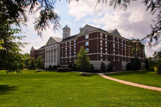 Courtyard Chapel Hill : Exterior