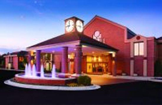 Ann Arbor Regent Hotel & Suites : Entrance