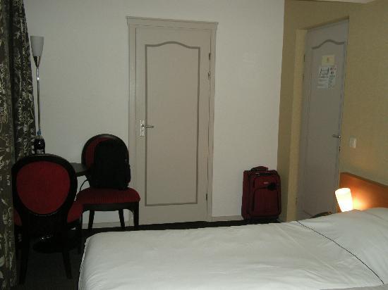 Kasteel Elsloo : Room 4, view from TV corner