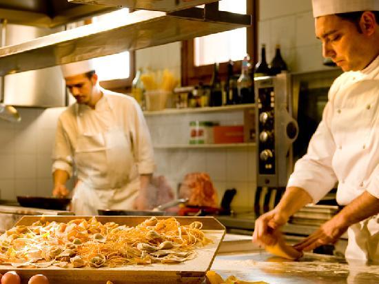 cucina ristorante Carne & Spirito presso hotel Noce