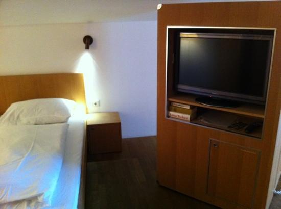 Hotel Grüner Baum: bedroom