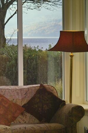 Loch Lein Country House: Lounge view