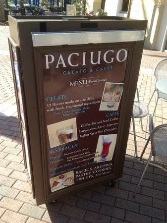 Paciugo: display outside their store