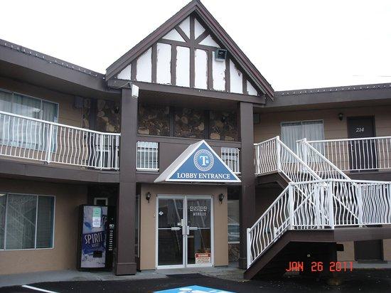 Traders Inn Motel