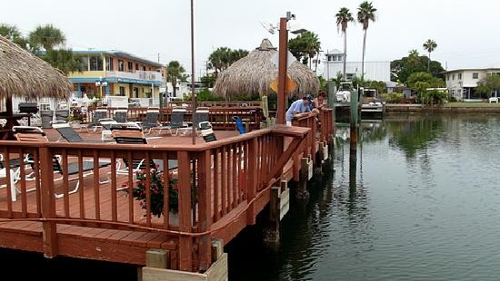 Bayview Plaza Waterfront Resort: 2 awesome fishing docks to use