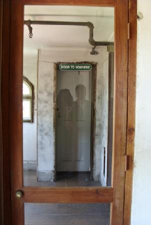 Winchester Mystery House: door to nowhere