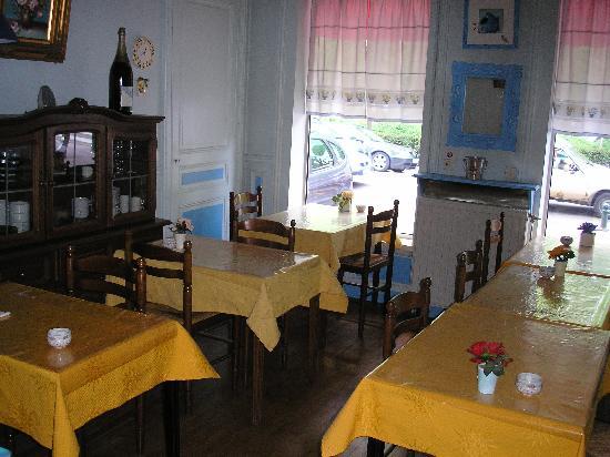 Touring Hotel: La salle à déjeuner