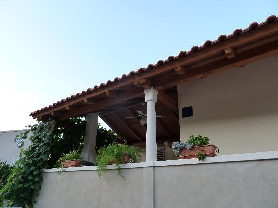Villa Kamenica: front porch to Villa Margarita