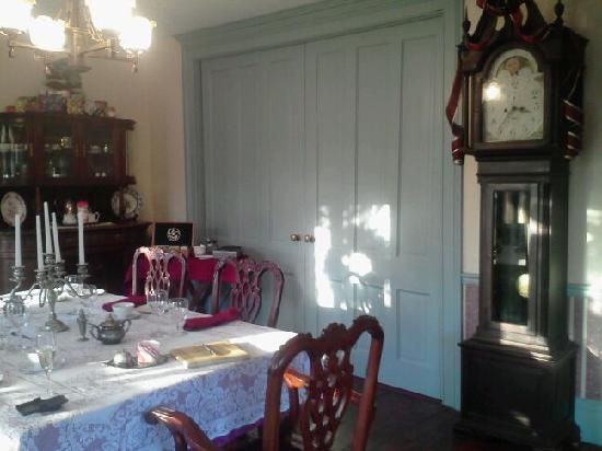 The Widow McCrea House Victorian Bed and Breakfast 사진