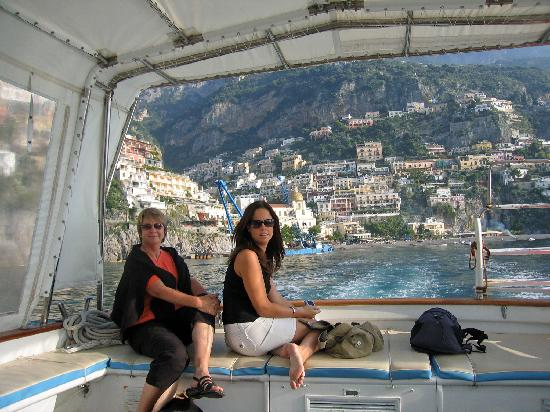 Villa La Tartana: On board our personal boat trip (looking back to Positano)