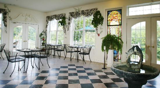 Elk Forge B&B Inn, Retreat and Day Spa: Conservatory