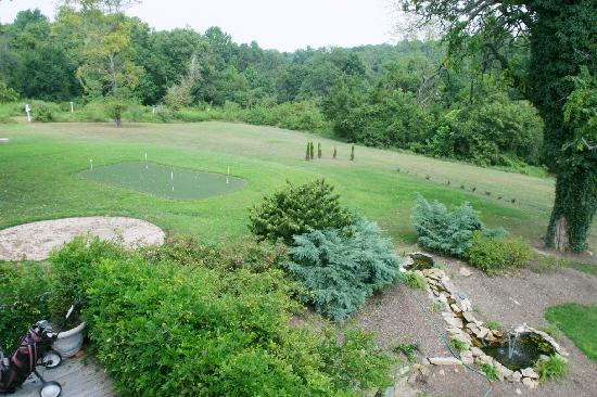 Elk Forge B&B Inn, Retreat and Day Spa: Putting Green